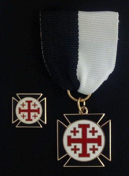 Knight Crusader of the Cross Lapel Pin Jewel